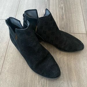 Crown Vintage Booties - size 10 women's